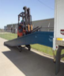 Ground-to-Truck Portable Yard Ramps